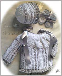 CANASTILLA ARTESANAL: DESCATALOGADO Baby Knitting Patterns, Knitting For Kids, Baby Patterns, Good Color Combinations, Crochet Girls, Knitting Wool, Baby Socks, Baby Wearing, How To Wear