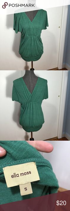 Ella Moss green v neck top blouse tunic Super cute and comfortable soft green v neck tunic! The elastic bottom helps hold it in place and it is long enough to be worn with leggings. It is a size small and true to size but could also fit a medium. Good pre-owned condition! Ella Moss Tops Tunics
