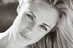 "Oscar Pistorius: Reeva Steenkamp mum ask why my girl ? - The mother of Reeva Steenkamp, who was allegedly murdered by boyfriend Oscar Pistorius, has asked: ""Why my little girl? Oscar Pistorius, Beautiful Models, Beautiful People, Beautiful Women, Rasta Rockett, My Little Girl, My Girl, Bobsleigh, Cinema"