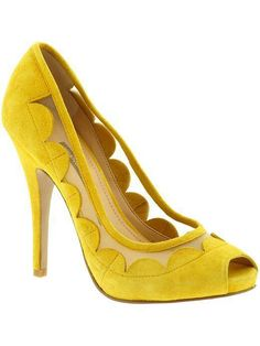 zapato pituc color amarillo en color fashion de la temporada