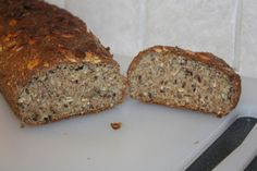 Ny brødoppskrift Lchf, Keto, Glutenfree, Banana Bread, Food And Drink, Low Carb, Baking, Desserts, Tailgate Desserts