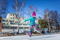 Máchovo jezero dovolená  Půjčovna zimního vybavení Hotel Port pravidelně připravuje a udržuje na zamrzlém jezeře bruslařskou dráhu a hřiště. Stačí si jen půjčit brusle!  Ceník ubytování zde: http://www.hotelport.cz/ubytovani-a-sluzby/ Sport a zábava: http://www.hotelport.cz/sport-a-zabava/