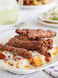 Köfteli ve yoğurtlu kebap Tarifi - Türk Mutfağı Yemekleri - Yemek Tarifleri