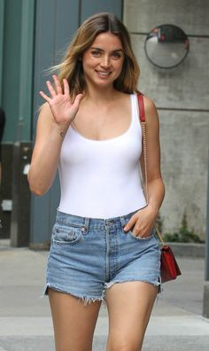 Blade Runner 2049 Actress Ana De Armas shopping with pals in Manhattan, NYC. Aug 26, 2017.
