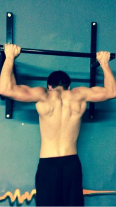 Dylan Sprayberry Work out  Hot muscles <3