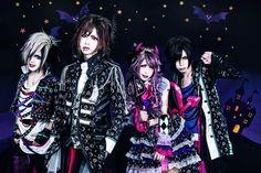 "BLaive will release their new single ""tarot~yuuwaku ni tori tsukareta XV~"" (タロット~誘惑に取り憑かれたXV~) in November. You can watch a PV preview below! Maxi single:tarot~yuuwaku ni tori tsukaret…"