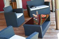 Loungeset in different models and colors - From €299 NL: http://gr.pn/1j3jInD FR: http://gr.pn/1gq0qV3