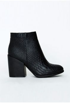 """We're loving these classic ankle boots here at MG, featuring a chic and cool snakeskin print. These beauties will take you from day to night in an instant.  Faux leather   Approx heel height 10cm/4"""""""