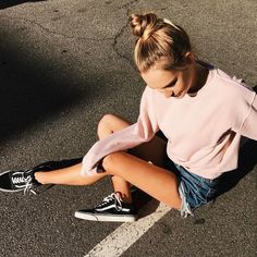 e529c46e7cd70d Pinterest  Nuggwifee White Girl Outfits