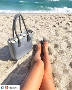 #weekend #obag Basic Outfits, Stylish Outfits, Celine Bag, Bago, Sunnies, Purses And Bags, My Style, Oclock, Beachwear