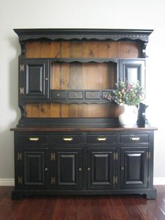 European Paint Finishes - this is the same collection from which I just bought a hutch from CL. I love how this is finished and I am thinking about this for my piece. Refurbished Furniture, Repurposed Furniture, Rustic Furniture, Furniture Makeover, Painted Furniture, Diy Furniture, Painted China Cabinets, Painted Hutch, Furniture Projects