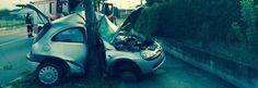 VERONA Schianto stamane all'alba: un giovane 19 enne, a bordo della sua auto, si è schiantato contro un pioppo perdendo la vita.