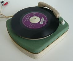Jobo 45 record player, 1956 - www.remix-numerisation.fr - Rendez vos souvenirs durables ! - Sauvegarde - Transfert - Copie - Digitalisation - Exploration et Restauration de bande magnétique Audio - MiniDisc - Cassette Audio et Cassette VHS - VHSC - SVHSC - Video8 - Hi8 - Digital8 - MiniDv - Laserdisc - Bobine fil d'acier