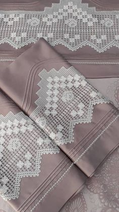 Beautiful Hijab, Filet Crochet, Knitting Stitches, Chanel Boy Bag, Bedding Sets, Diy And Crafts, Pillow Cases, Embroidery, Design
