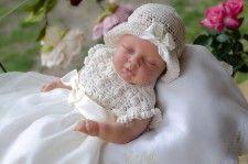 Komplety do chrztu - Kwiatuszek tiulowy ecru komplet z czapeczką