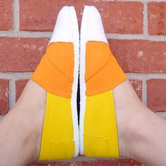 Paint some canvas slip ons to look like candy corn! www.dreamalittlebigger.com
