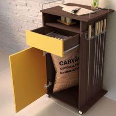 Carrinho para Churrasco Gourmet c/ Porta, Gaveta e Suporte para Espetos - Amarelo/ Café TX