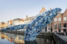 Against ocean's pollution, Studio KCA installed a 5 tons whale sculpture, m high in the middle of a canal in Bruges. The statue is entirely composed What Is Installation Art, Art Installations, Whale Pictures, Waste Art, Whale Drawing, Art Simple, Ocean Pollution, Plastic Pollution, Jan Van Eyck