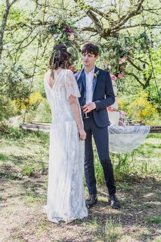Bride and Groom inspiration from a Bohemian, Colourful and Rustic Outdoor Italian Wedding Shoot | Photography by http://www.charlottehuphotography.co.uk/