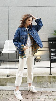 So much love for the denim jacket ~ a certified closet workhorse!