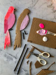 Lovebirds for Your Lovebird: Easy Cardboard Valentines! — super make it Projects For Kids, Diy For Kids, Craft Projects, Crafts For Kids, Easy Toddler Crafts, Holiday Crafts, Fun Crafts, Diy And Crafts, Arts And Crafts