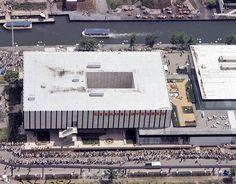 EXPO 67 - GALERIE D'IMAGES MAGNIFIQUES 2 - CENTRE DE PAIX DE MONTRÉAL Expo 67 Montreal, Quebec Montreal, Montreal Ville, Big Show, World's Fair, Retro, Hui, Images, Swinging London