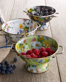 MacKenzie-Childs Small Flower Market Colander from Horchow. Shop more products from Horchow on Wanelo. Kitchen Items, Kitchen Utensils, Kitchen Dining, Kitchen Stuff, Kitchen Tools, Kitchen Gadgets, Childs Kitchen, Kitchen Decor, Kitchen Containers