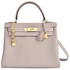 Pre-owned Hermes Gris Tourterelle 28cm Togo Kelly Gold Ghw Shoulder... ($19,995) ❤ liked on Polyvore featuring bags, handbags, shoulder bags, grey, grey shoulder bag, grey purse, hermes purse, shoulder strap handbags and pre owned handbags