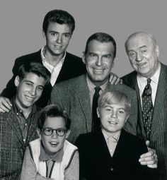 William Frawley (Bub O'Casey) stayed with the My Three Sons show until he was 78 yrs old in 1965 and completed that season.he passed the next year in having given us so many wonderful years with I Love Lucy and My Three Sons. My Childhood Memories, Best Memories, Childhood Toys, My Three Sons, Vintage Tv, Vintage Hollywood, Vintage Photos, Old Shows, Classic Tv