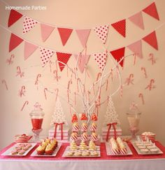 Christmas in July Peppermint Party | #christmas #holiday #xmas #christmasdecor #party #christmasinjuly #summer #beach #decorating