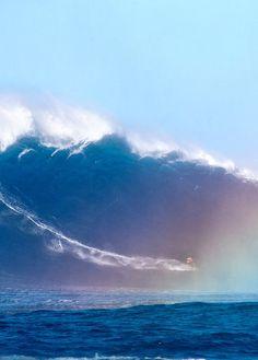 Big wave surfing is the ultimate. #thepursuitofprogression #Lufelive #Surfing #Surf