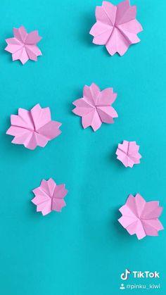 Diy Origami, Origami Jewelry, Origami Paper, Origami Flowers, Diy Flowers, Paper Flowers, Clay Crafts, Diy And Crafts, Paper Crafts