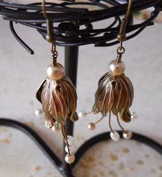 Vintage tulip Cluster Earrings Dangle Earrings Drop earrings Wedding Bridal Hoop Free Shipping Gift Pearl Earrings 23.00 USD Available at http://ift.tt/1NM3wVS