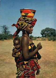 Africa, Mother with her baby. African Children, African Women, African Art, African Beauty, African Fashion, Black Is Beautiful, Beautiful People, Simply Beautiful, African Tribes