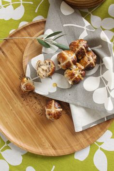 Make a beautiful Easter table with Dandi