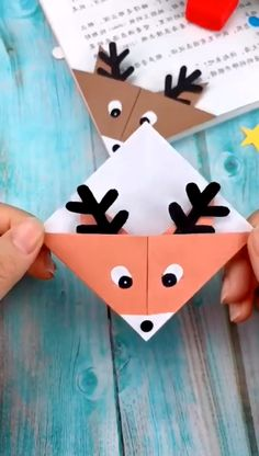 Cool Paper Crafts, Paper Crafts Origami, Origami Art, Diy Crafts Hacks, Diy Crafts For Gifts, Handmade Crafts, Christmas Card Crafts, Holiday Crafts, Barn