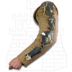 Protection of metallic arms composed of 4 plates articulated rings. Made of mild steel polished thick. Were used in the fifteenth century by peasants, archers and crossbowmen. Armadura Medieval, Armor All, Arm Armor, Larp, Armor Clothing, Pirate Art, Landsknecht, Cosplay Armor, Medieval Armor