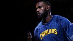 L'art de la passe décisive selon LeBron James -  Lors des dernières Finals, LeBron James a rappelé un principe élémentaire : aucune équipe ne peut le tenir en un-contre-un. Après des Finals 2015 où ils s'étaient concentrés sur ses… Lire la suite»  http://www.basketusa.com/wp-content/uploads/2016/11/lebron-james-1-570x325.jpg - Par http://www.78682homes.com/lart-de-la-passe-decisive-selon