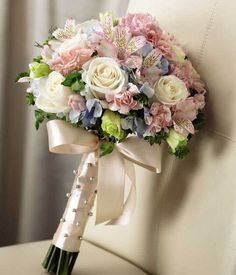 Need a wedding florist? Here is a list of questions that you should ask florists before choosing one.