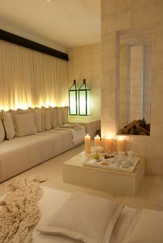 Discover recipes, home ideas, style inspiration and other ideas to try. Interior Architecture, Interior And Exterior, Interior Design, Style Marocain, Home Spa, Moroccan Decor, Toscana, Beautiful Homes, Sweet Home