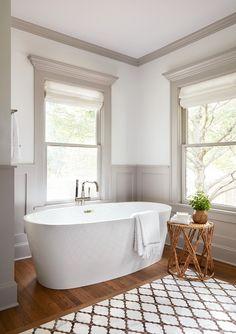 Bathroom Colors, White Bathroom, Small Bathroom, Master Bathroom, Bathroom Tubs, Marble Bathrooms, Master Baths, Bathroom Shelves, Modern Bathroom
