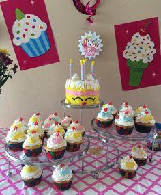 Shopkins cakes display