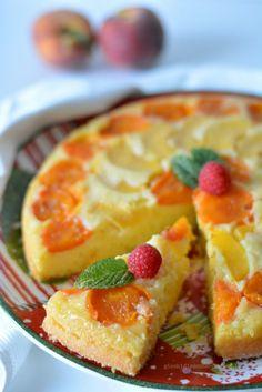 Torta rovesciata allo yogurt e frutta fresca