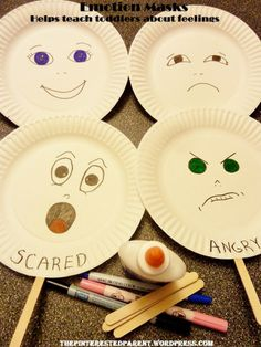 Teaching Toddlers Emotions Emotions paper plate cards can be made by toddlers can later be discussed in grouptime. By exploring the different emotions of these plates can help the toddler identify their facial expression with the way they are feeling on t Social Emotional Activities, Feelings Activities, Social Emotional Development, Toddler Learning Activities, Preschool Activities, Kids Learning, Toddler Development, Feelings Preschool, Motor Activities