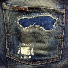 "fortunateandholding: ""Hobo patch and darn on wallet blowout. Boro Stitching, Repair Jeans, Denim Ideas, Patchwork Jeans, Denim Fashion, Fashion Menswear, Retro Fashion, Vintage Denim, Denim Art"