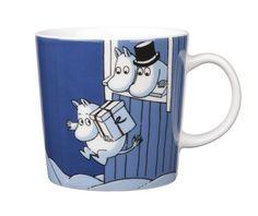 Moomin Mug Winter 2009 Christmas Surprise Arabia Moomin Mugs, Fuzzy Felt, Tove Jansson, Nordic Home, Dark Blue Background, Tea Cozy, Christmas Mugs, Marimekko, Ceramic Cups
