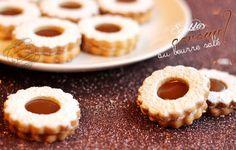 Il était une fois la pâtisserie...: Sablés au caramel au beurre salé http://www.iletaitunefoislapatisserie.com/2013/12/sables-au-caramel-au-beurre-sale.html