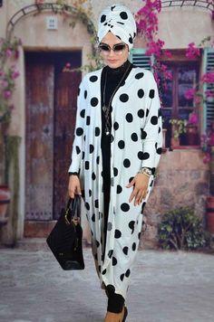Aişe Beyaz Siyah Puanlı Abaya Bone Takım Tesettür takım Dress With Cardigan, Maxi Dresses, Duster Coat, Kimono Top, Jackets, Fashion, Turban Style, Turbans, Fashion Styles