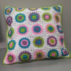 pachyblur:: Quedó kawaii!!  #crochet #amigurumi #amigurumis #tejido #lana #yarn #clover #crochetclover #colorido #colours #colores #diy #handmade #hechoamano #wip #crochetlove #あみぐるみ  #crafts #craft #ilovecrochet #crochetcushion #pillow #cushion  Te amo mi amor espero que a tu mamita le guste mucho