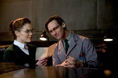 "Kristen Kringle (Chelsea Spack) & Edward Nygma (Cory Michael Smith) in ""Gotham"""